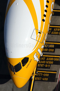 Scoot-flyscoot.com (Singapore Airlines) Boeing 787-8 Dreamliner 9V-OFB (msn 37118) SYD (Rob Finlayson). Image: 935263.