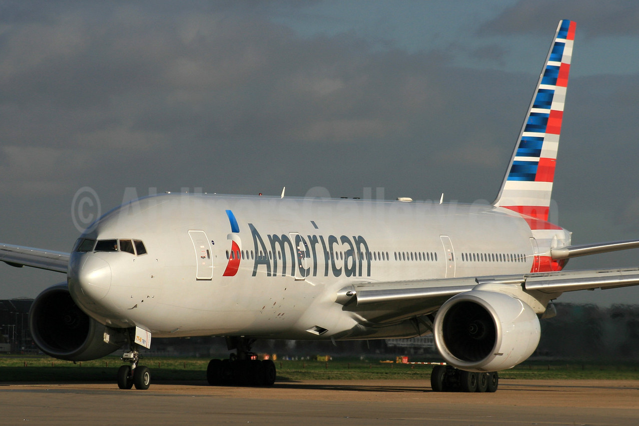 American Airlines Boeing 777-223 ER N765AN (msn 32879) LHR. Image: 931145.