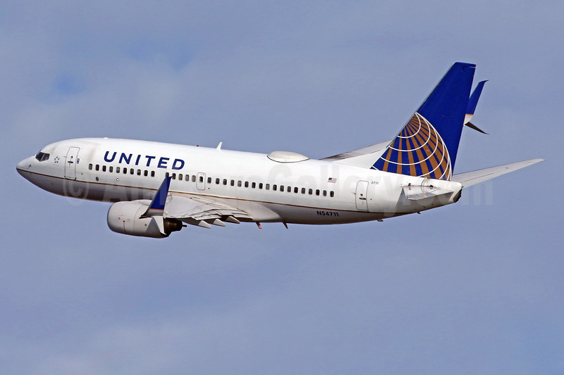 United Airlines Boeing 737-724 SSWL N54711 (msn 28782) DCA (Brian McDonough). Image: 936663.