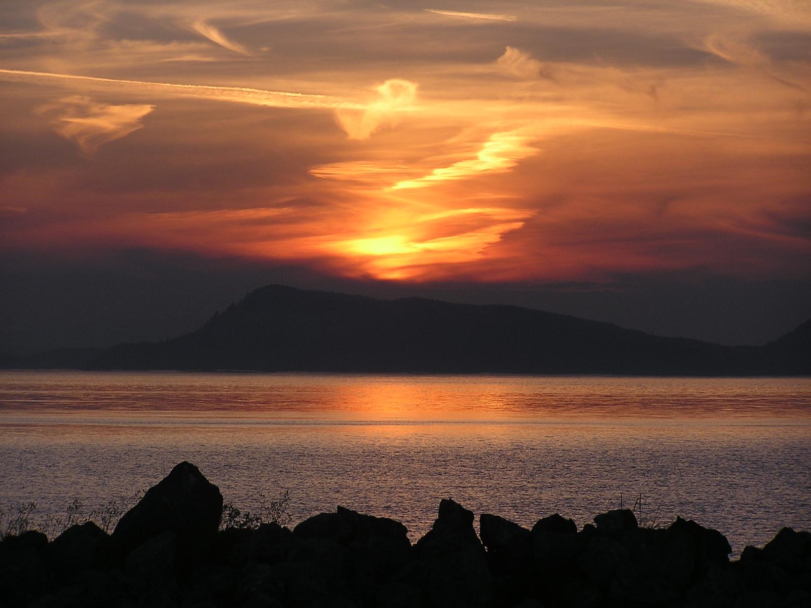 An August sunset on Orcas Island.