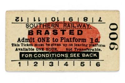 Edmondson_ticket_SR_Southern_Railway_platform_Brasted_1