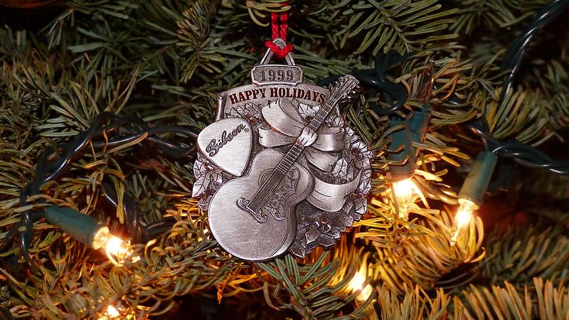 Gibson Christmas Ornament 12-22-16