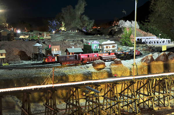 California's Living Desert: Ultimate Outdoor Model Train Layout