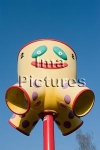 6-40-80-0060 schoolyard,balls pole,schoolplein,speelplaats,,ballenpaal,cour de récréation,poteau de balles