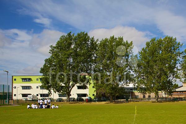 Lealands High School