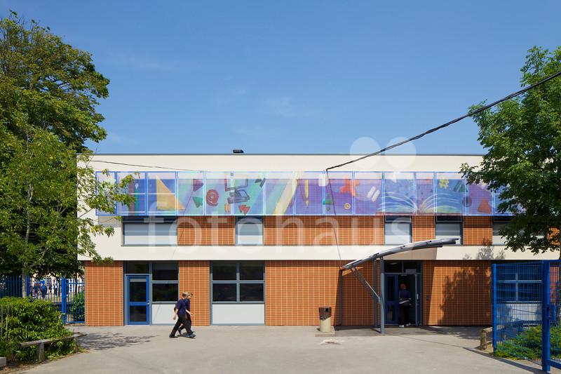 Priestlands School