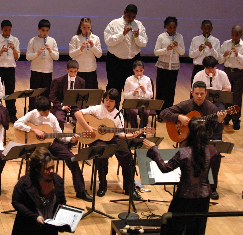 xMiller Thearter_2007_Nina, conducting  ensemble 3