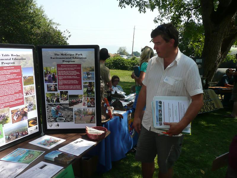August Institute Resource Fair.  Picture © Linda Hilligoss
