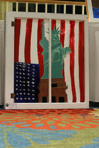 Alex Bui painted the Statue of Liberty, because for Bui it not only symbolizes freedom, but it also symbolizes the friendship between the United States and France.