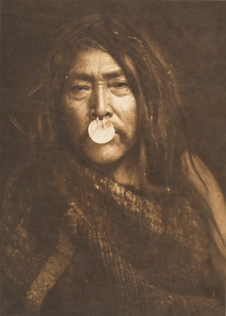 Naemahlpunkuma - Hahuamis (The North American Indian, v. X. Norwood, MA: The Plimpton Press, 1915)