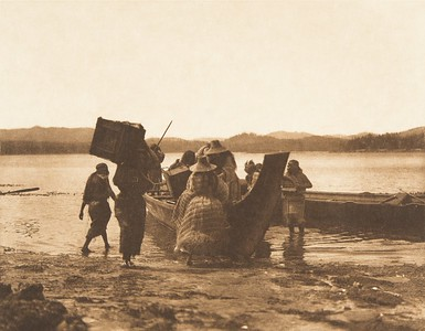 Embarking [Kwakiutl] (The North American Indian, v. X. Norwood, MA: The Plimpton Press, 1915)