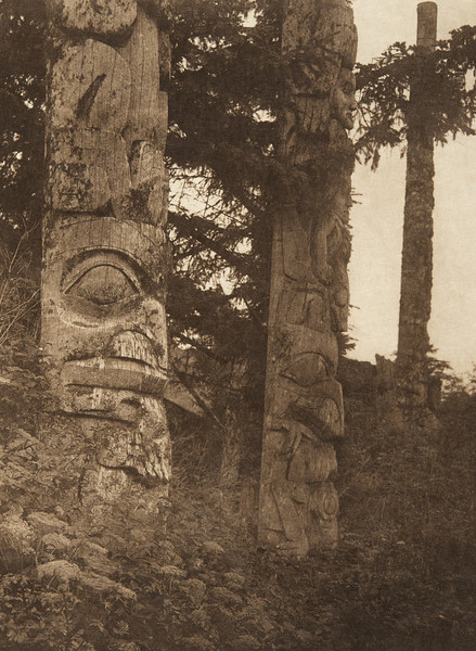 Totems at Kung (The North American Indian, v. XI. Cambridge, MA: The University Press, 1916)