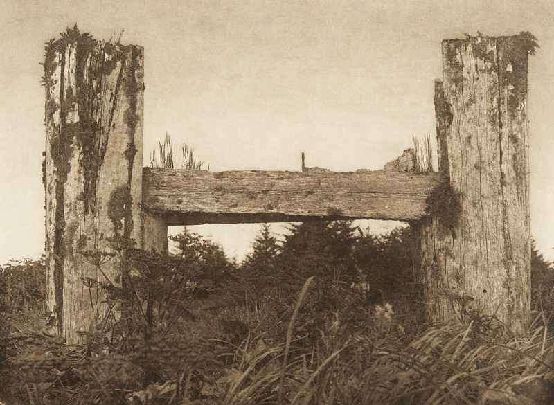A decaying house frame - Haida (The North American Indian, v. XI. Cambridge, MA: The University Press, 1916)