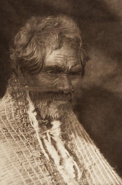 Tsahwismia - Nootka (The North American Indian, v. XI. Cambridge, MA: The University Press, 1916)