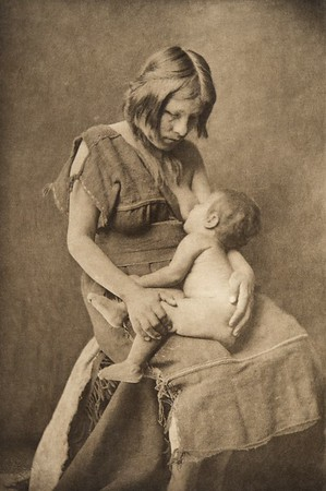 A Hopi mother (The North American Indian, v. XII. Norwood, MA, The Plimpton Press, 1922)