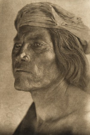 Walpi snake chief (The North American Indian, v. XII. Norwood, MA, The Plimpton Press, 1922)