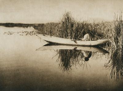Klamath duck-hunter (The North American Indian, v. XIII. Norwood, MA, The Plimpton Press,  1924)