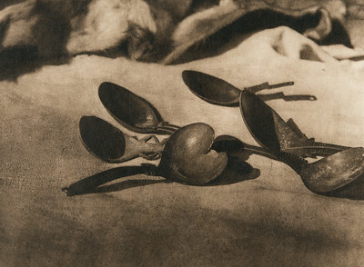 Elk-horn spoons - Tolowa (The North American Indian, v. XIII. Norwood, MA, The Plimpton Press,  1924)