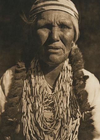 Karok woman (The North American Indian, v. XIII. Norwood, MA, The Plimpton Press,  1924)