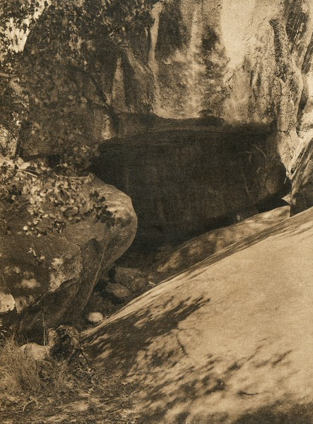 Entrance to the painted cave (The North American Indian, v. XIV. Norwood, MA, The Plimpton Press, 1924)