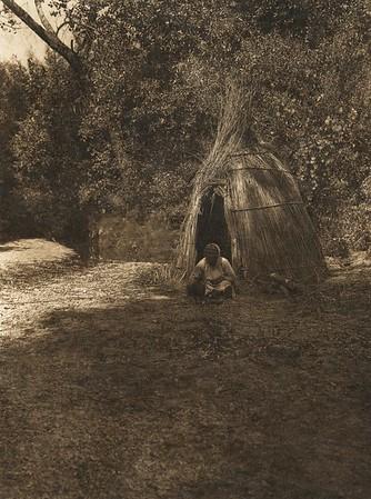 Cooking acorn - Upper Lake Pomo (The North American Indian, v. XIV. Norwood, MA, The Plimpton Press, 1924)