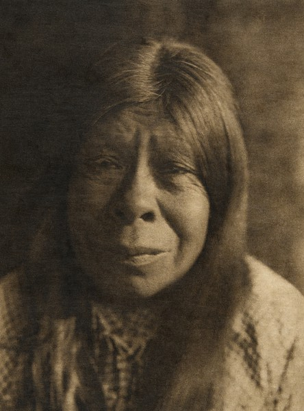 A Chukchansi Yokuts woman - B (The North American Indian, v. XIV. Norwood, MA, The Plimpton Press, 1924)