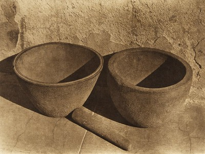 Sandstone vessels from Santa Catalina Island  (The North American Indian, v. XV. Norwood, MA, The Plimpton Press, 1926)