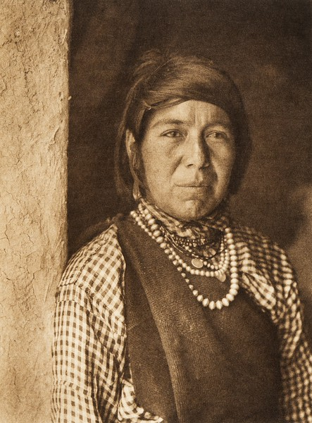 Hiyortsa - Paguate (The North American Indian, v. XVI. Norwood, MA, The Plimpton Press,  1926)