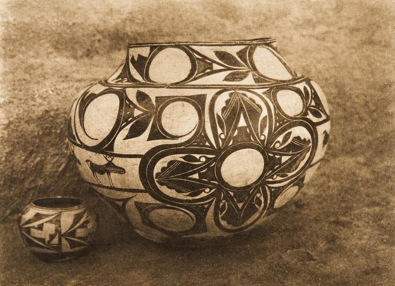 Laguna water-jar (The North American Indian, v. XVI. Norwood, MA, The Plimpton Press,  1926)