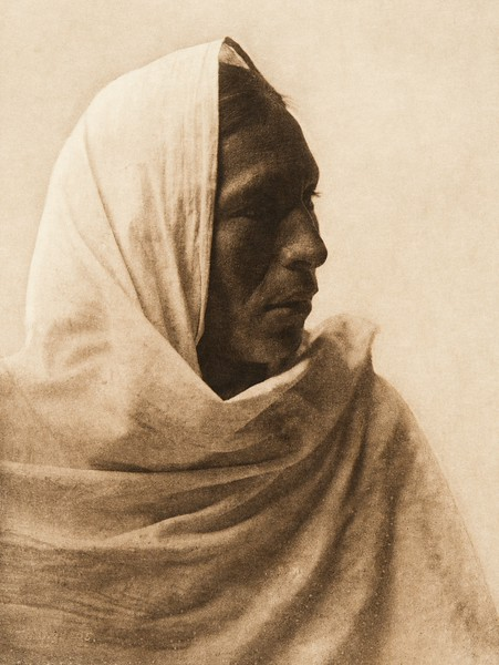 "Iahla - ""Willow"" - Taos (The North American Indian, v. XVI. Norwood, MA, The Plimpton Press,  1926)"