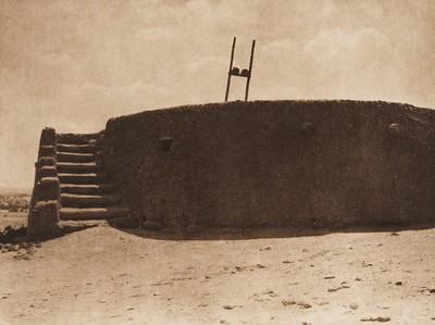 Isleta kiva (The North American Indian, v. XVI. Norwood, MA, The Plimpton Press,  1926)