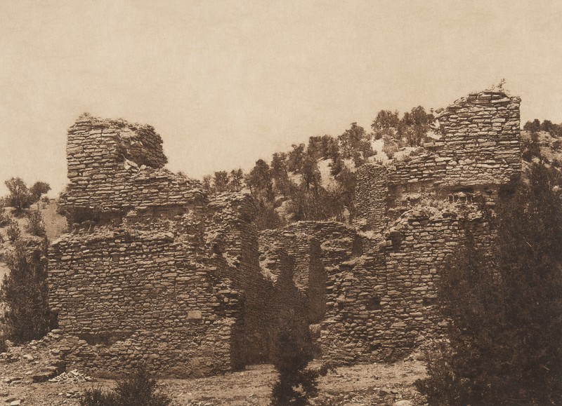 Ruins of the church at Gyusiwa (The North American Indian, v. XVI. Norwood, MA, The Plimpton Press,  1926)