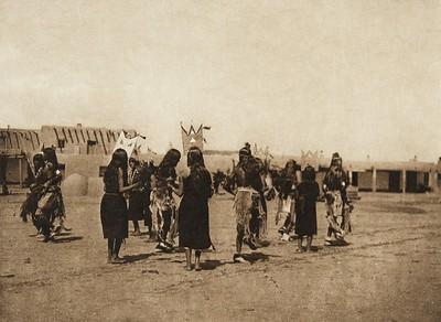 Tablita dance - San Ildefonso - A (The North American Indian, v. XVII. Norwood, MA, The Plimpton Press,  1926)
