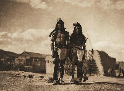 Tablita dancers - San Ildefonso (The North American Indian, v. XVII. Norwood, MA, The Plimpton Press,  1926)