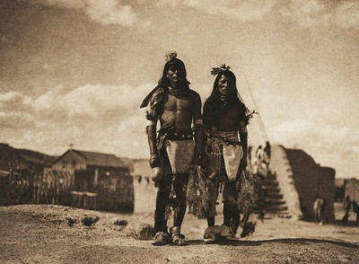 Tablita dancers - San Ildefonso (The North American Indian, v. XVII. Norwood, MA, The Plimpton Press,  1926)