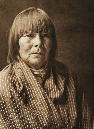 "Oyi-sawi - ""Ice Terrace"" - Santa Clara (The North American Indian, v. XVII. Norwood, MA, The Plimpton Press,  1926)"