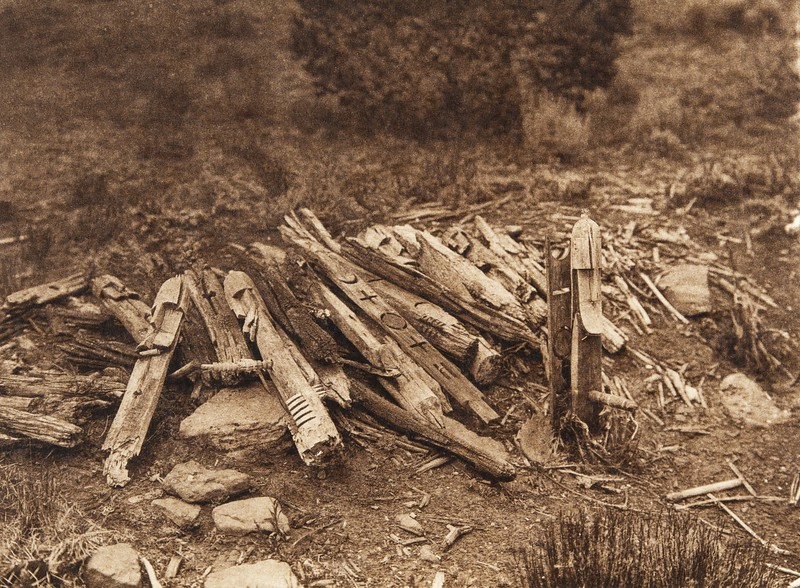 Shrine and effigies of the elder war-god on Corn Mountain - Zu–i (The North American Indian, v. XVII. Norwood, MA, The Plimpton Press,  1926)