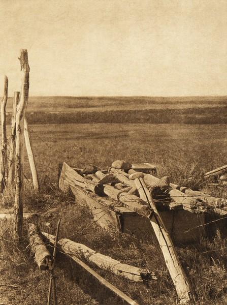 Modern Blackfoot burial (The North American Indian, v. XVIII. Norwood, MA, The Plimpton Press,  1928)
