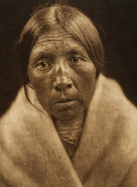 "Missi-tsatsa - ""Owl Old-woman"" - Sarsi (The North American Indian, v. XVIII. Norwood, MA, The Plimpton Press,  1928)"