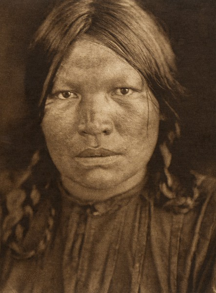 A Chipewyan woman (The North American Indian, v. XVIII. Norwood, MA, The Plimpton Press,  1928)