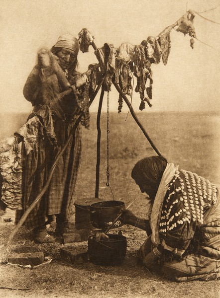Blackfoot cookery (The North American Indian, v. XVIII. Norwood, MA, The Plimpton Press,  1928)
