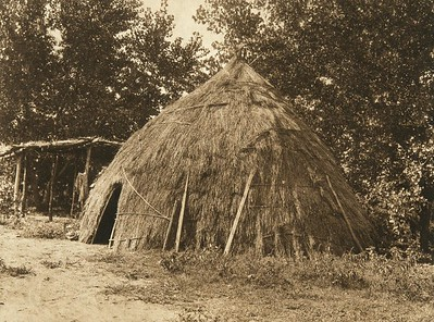 Old grass-house - Wichita (The North American Indian, v. XIX. Norwood, MA, The Plimpton Press,  1930)