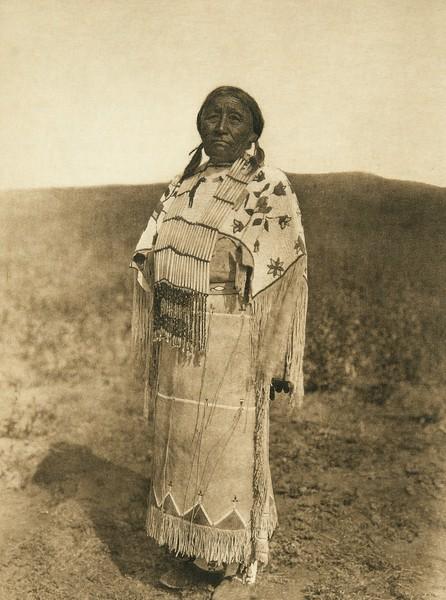 Woman's costume - Cheyenne (The North American Indian, v. XIX. Norwood, MA, The Plimpton Press,  1930)