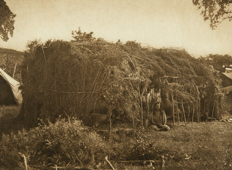 Brush lodge - Cheyenne (The North American Indian, v. XIX. Norwood, MA, The Plimpton Press,  1930)