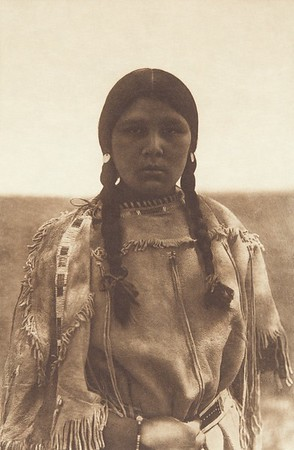 Apsaroke Maiden (Indians of North America, v. IV. Cambridge, MA: The University Press, 1909)