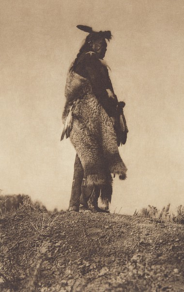 The Scout - Apsaroke (Indians of North America, v. IV. Cambridge, MA: The University Press, 1909)