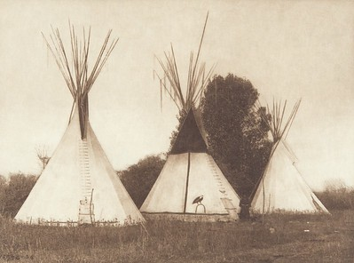 Apsaroke Camp (Indians of North America, v. IV. Cambridge, MA: The University Press, 1909)