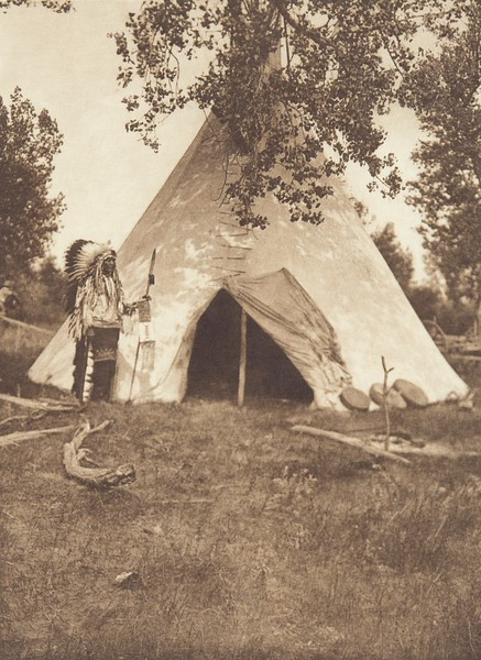 Two Leggings' Lodge - Apsaroke (Indians of North America, v. IV. Cambridge, MA: The University Press, 1909)