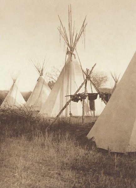 Medicine Tripod - Apsaroke (Indians of North America, v. IV. Cambridge, MA: The University Press, 1909)