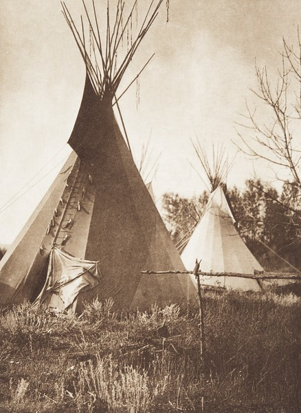 An Apsaroke Lodge (Indians of North America, v. IV. Cambridge, MA: The University Press, 1909)